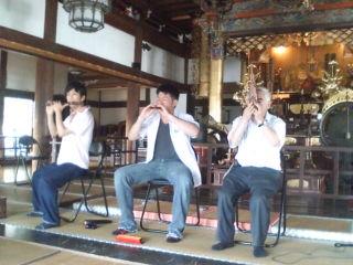雅楽の演奏